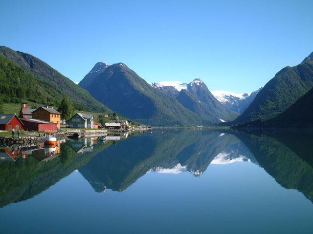 Kalni un fjordi